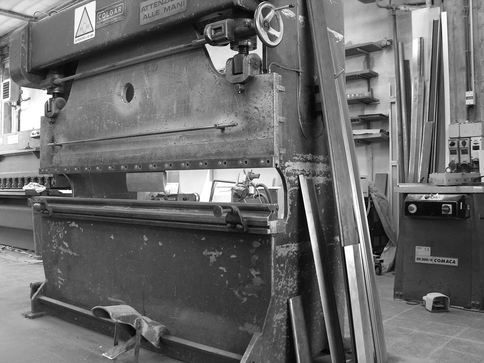Progettazione arredamento locali metalfrigor for Arredamento locali